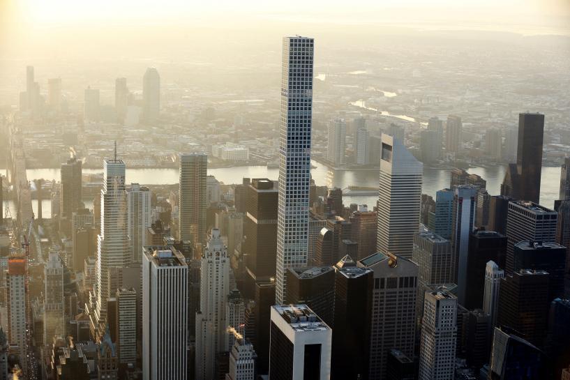 Manhattan luxury condo sales skew apartment prices: survey https://t.co/VEsH4hwkY8 https://t.co/Go0OTub9TE