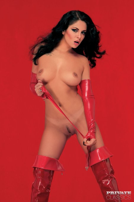 1 pic. Just amazing Priscilla Sol in Sex Magazine 51 with @toniribas, today at #privateclassics https://t