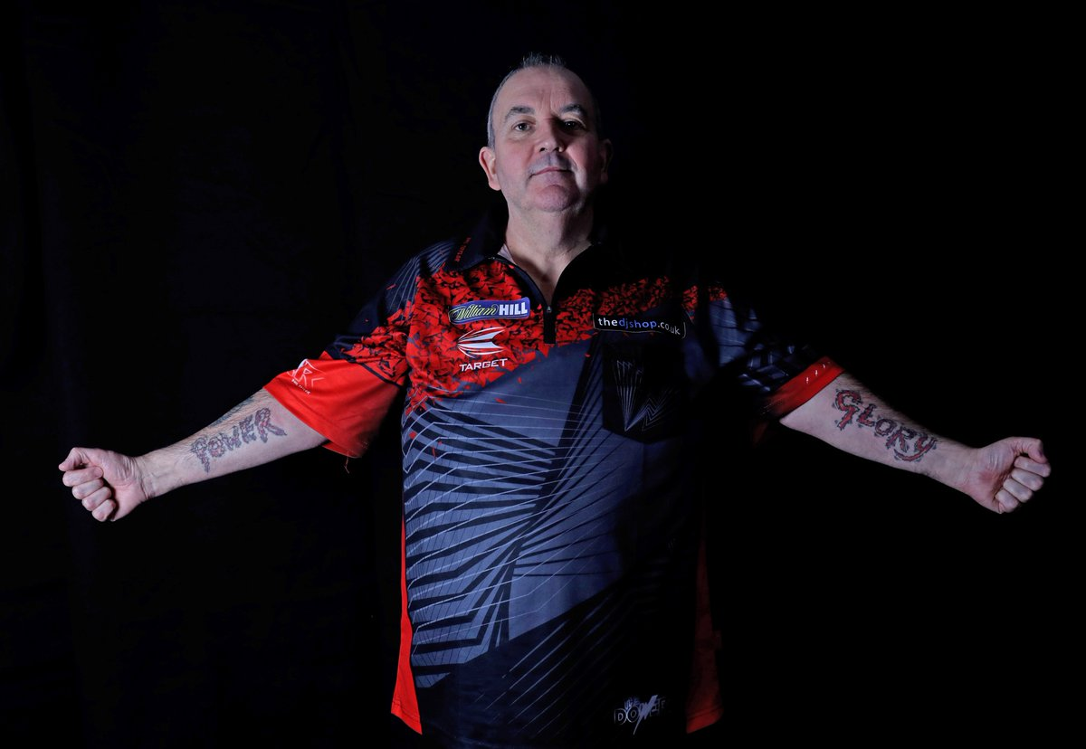 RT @OfficialPDC: Will it be World Title Number 17 for Phil Taylor? ONE DAY TO GO!  #LoveTheDarts https://t.co/gCJdr1vIa7