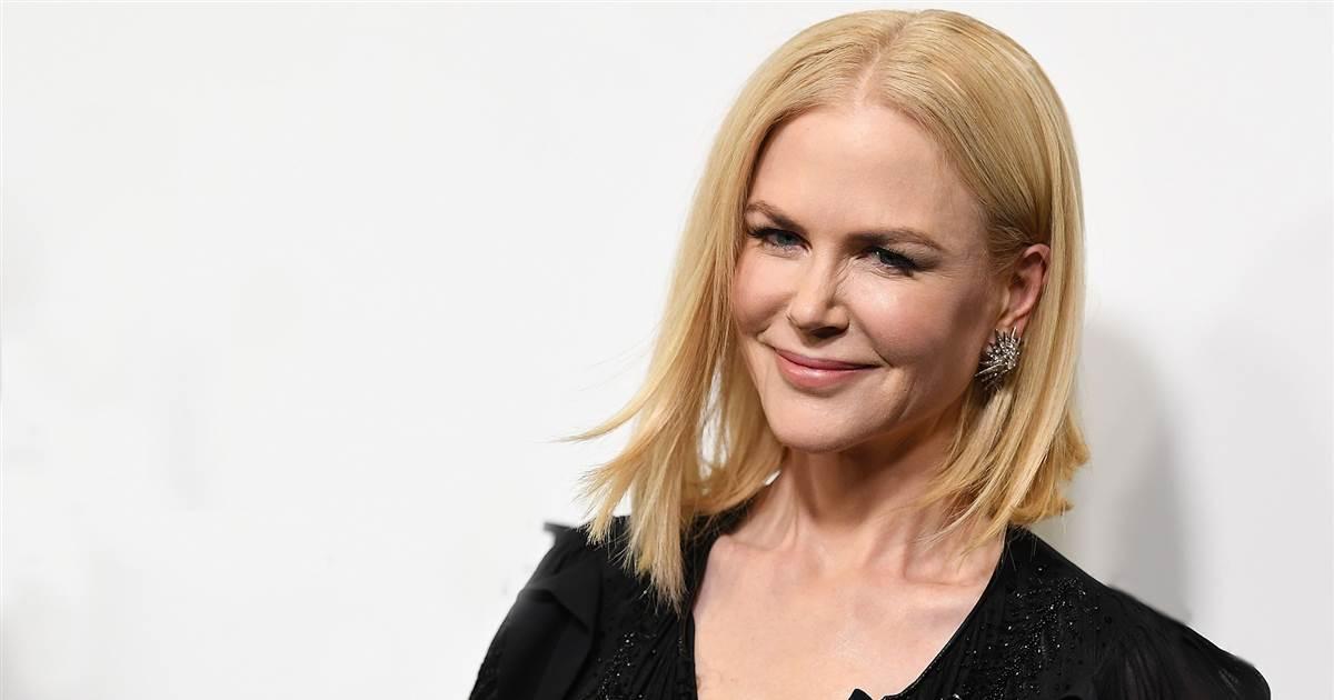 Nicole Kidman with a choppy brunette bob?! See her film transformation https://t.co/kxAZAyk22h https://t.co/XpFKGTSq21