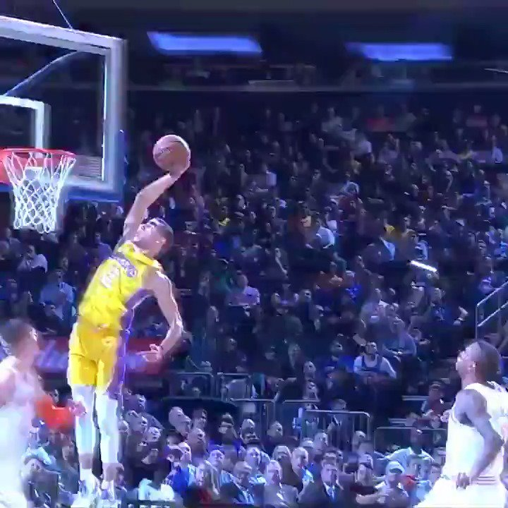 Which is better? The dunk or LaVar's reaction? �� https://t.co/WhZlr1Omaf