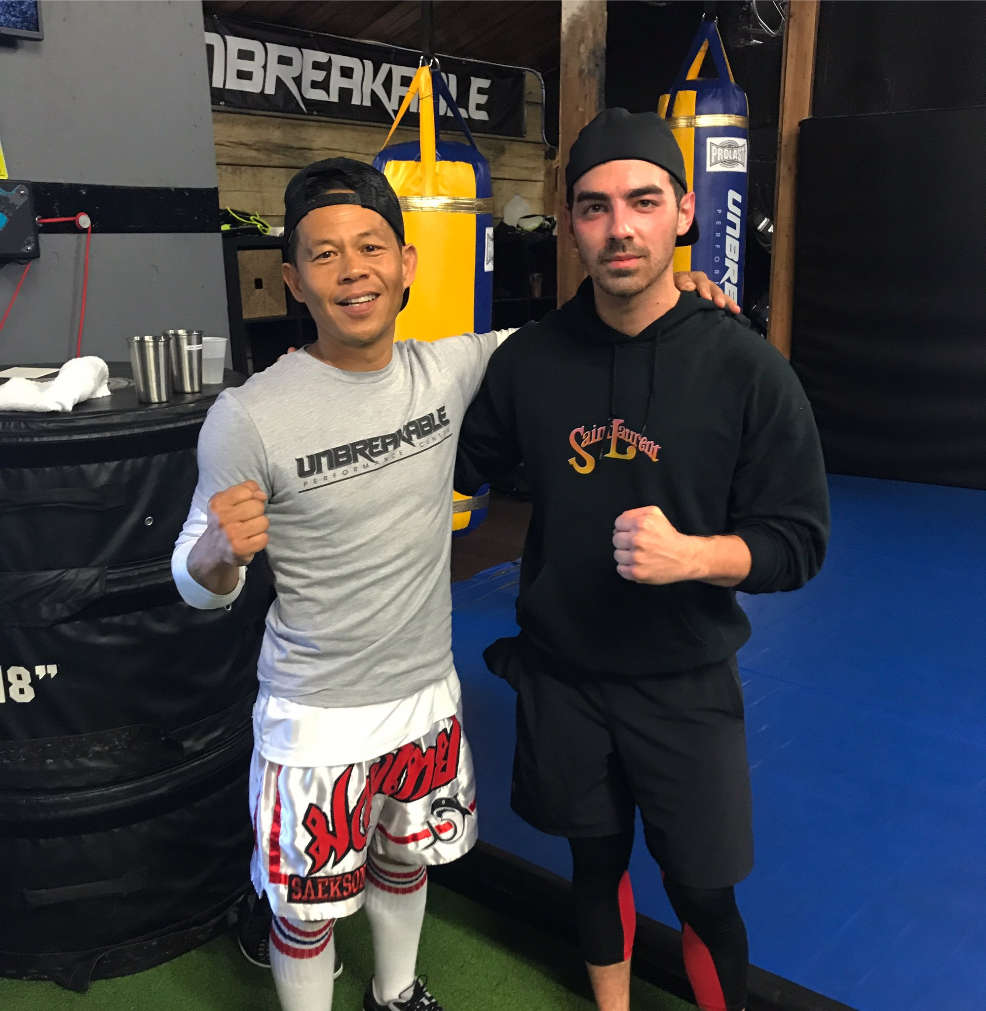 Putting in work with a legend today @erniereyesjr thanks bro! https://t.co/0h0cO6MMS2