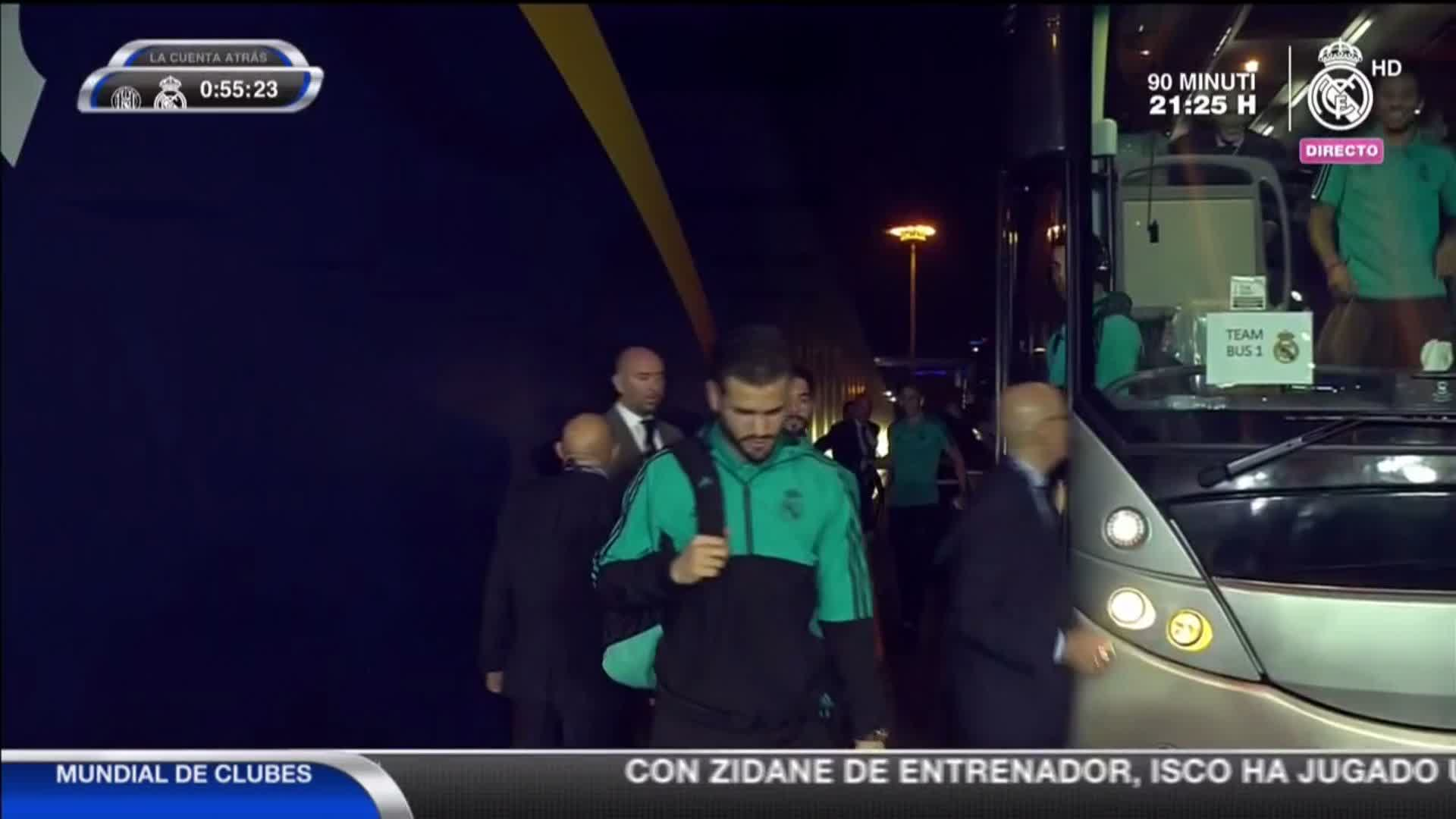 ���� ¡Ya hemos llegado al Zayed Sports City Stadium!  #RMCWC | #HalaMadrid https://t.co/KQrad5oahd