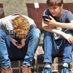 French government to ban mobile phones in schools