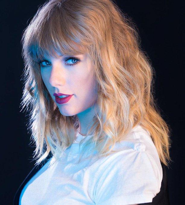 Hoje é Aniversário de TAYLOR SWIFT, Happy Birthday Taylor.