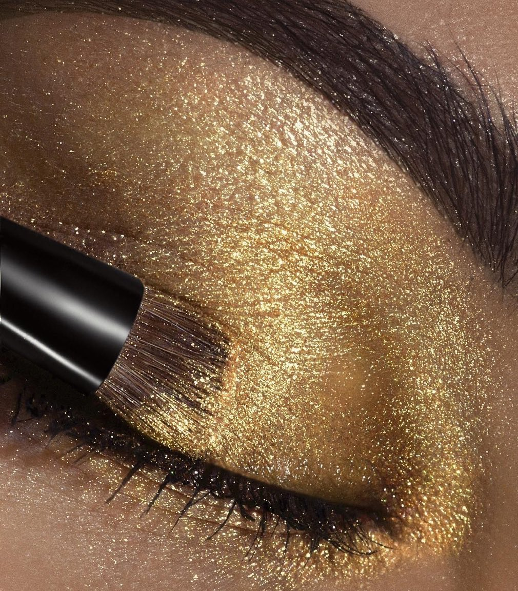 Ultralight Beams in yellow gold. Available on https://t.co/5re4XdoRSp �� @Rebellebeautyx https://t.co/l3xDVvlcsJ