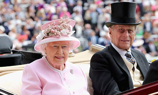 Find out which gift the Queen and Prince Philip give to their staff every Christmas: