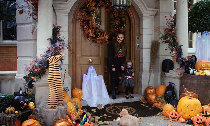 You have to see how Tamara Ecclestone decorated her house for Halloween!