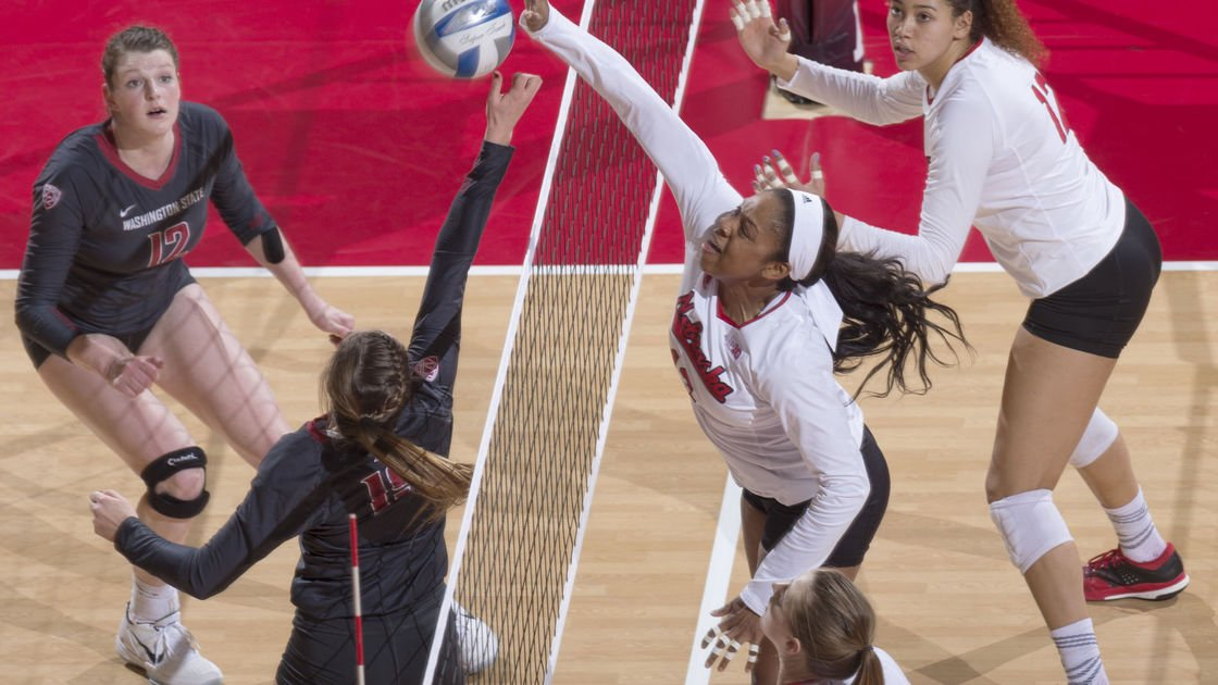 Volleyball powerhouses meet in Kansas City for Final Four