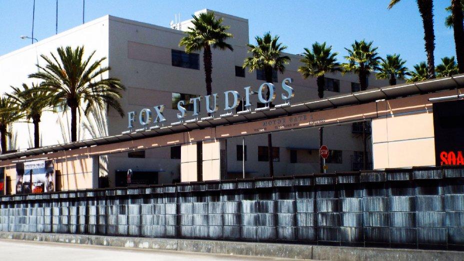 Report: Fox studio lot to stay with Murdochs in Disney merger