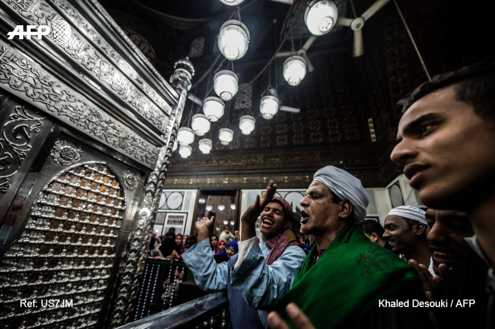 Worshippers pack Egyptian mosque week after massacre