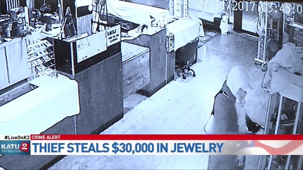 Jewelry valued at $30,000 stolen from Beaverton store