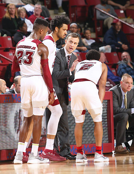 Luwane Pipkins scores 25 points, but UMass men's basketball falls at South Carolina, 76-70