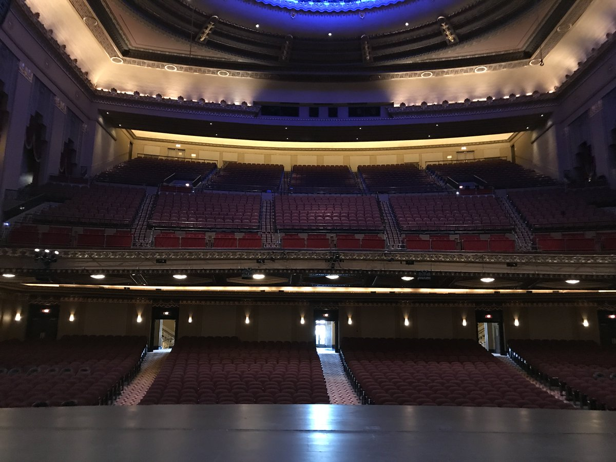 ST. LOUIS! We'll see you tonight at the Peabody Opera House! https://t.co/m9BWiY8Fuw