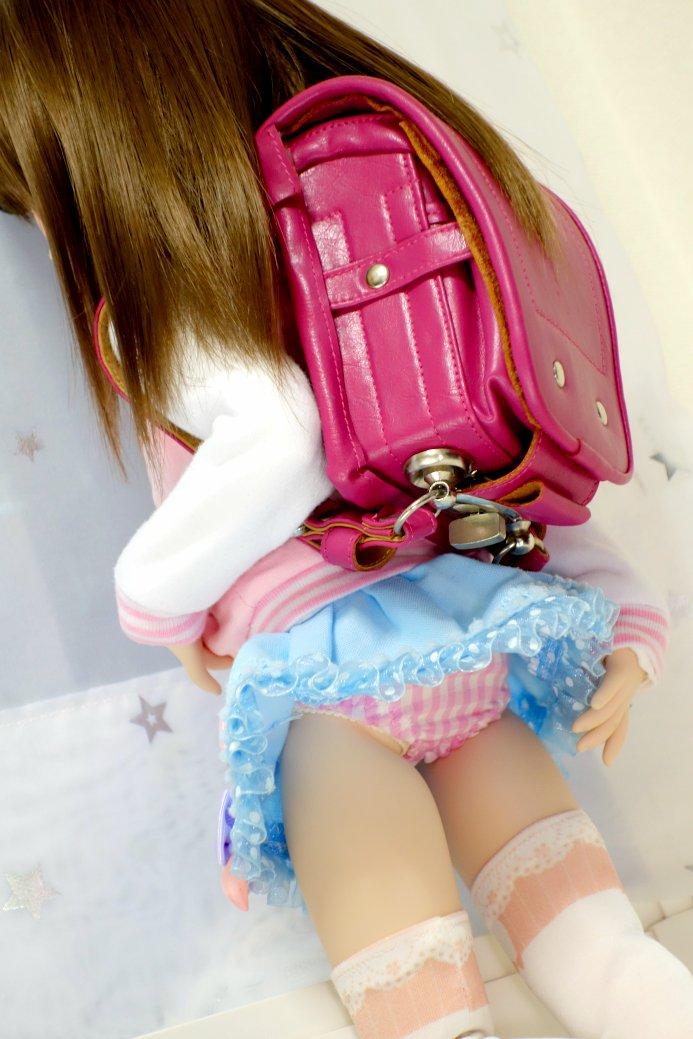 女子小学生のパンツが丸見え  [114013933]->画像>27枚
