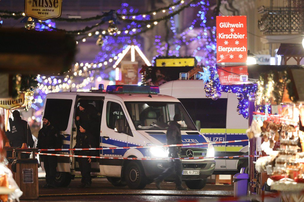 Alleged blackmail plot sparks Christmas market bomb scare