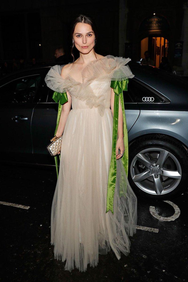 RT @BritishVogue: Alternative party dress inspiration from Keira Knightley in fairytale @MaisonValentino:  https://t.co/7MhrMOeOw4 https://…