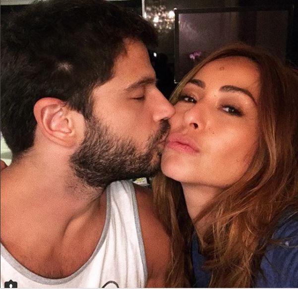 Duda Nagle. Foto do site da BN Holofote que mostra Sabrina Sato pega buquê de Ticiane Pinheiro e intima Duda Nagle: 'Fica a dica'