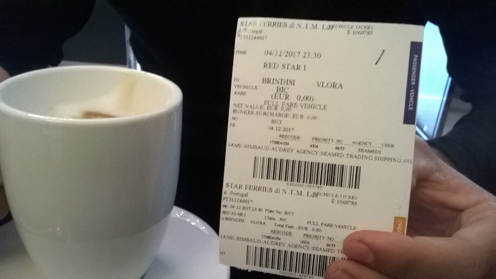 Dernier café italien avant d'embarquer pour l'Albanie ! Last italian coffee before boarding to Albania!