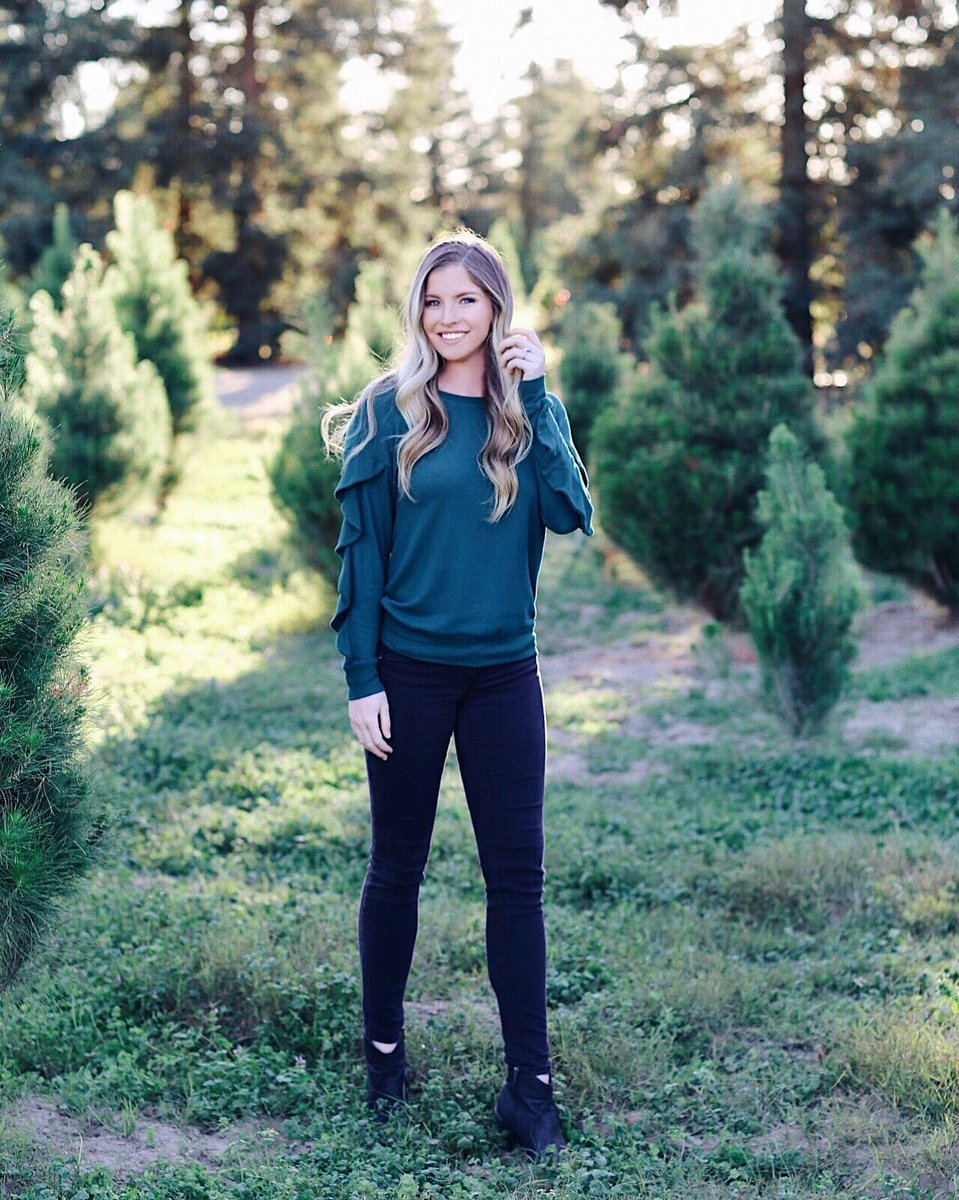 3 pic. Fun fact: my first job was at a Christmas tree farm as a cashier when I was 16 🌲 /