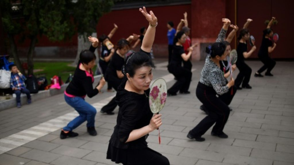 No class: China halts chauvinist 'female morality lessons'