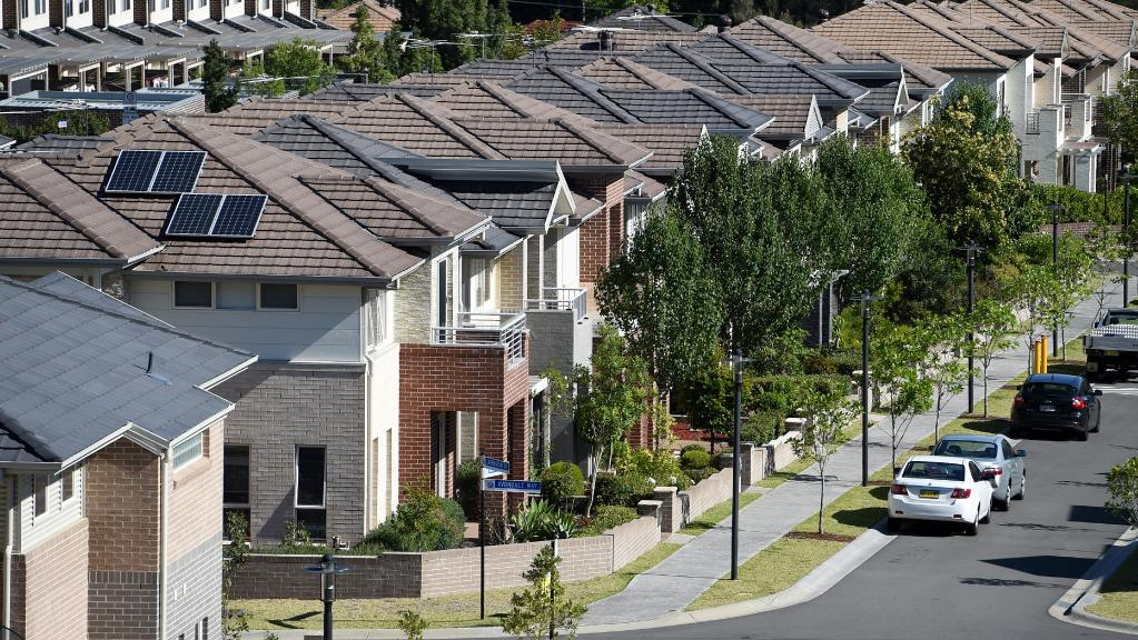 Fewer Queenslanders in mortgage stress as job prospects improve