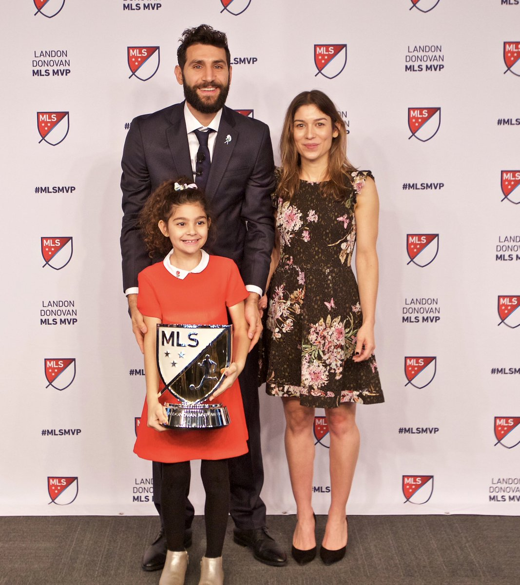 I am honored and happy to be named the 2017 Landon Donovan MLS MVP. Thank you all for your warm messages! https://t.co/JfHAKoA9IU