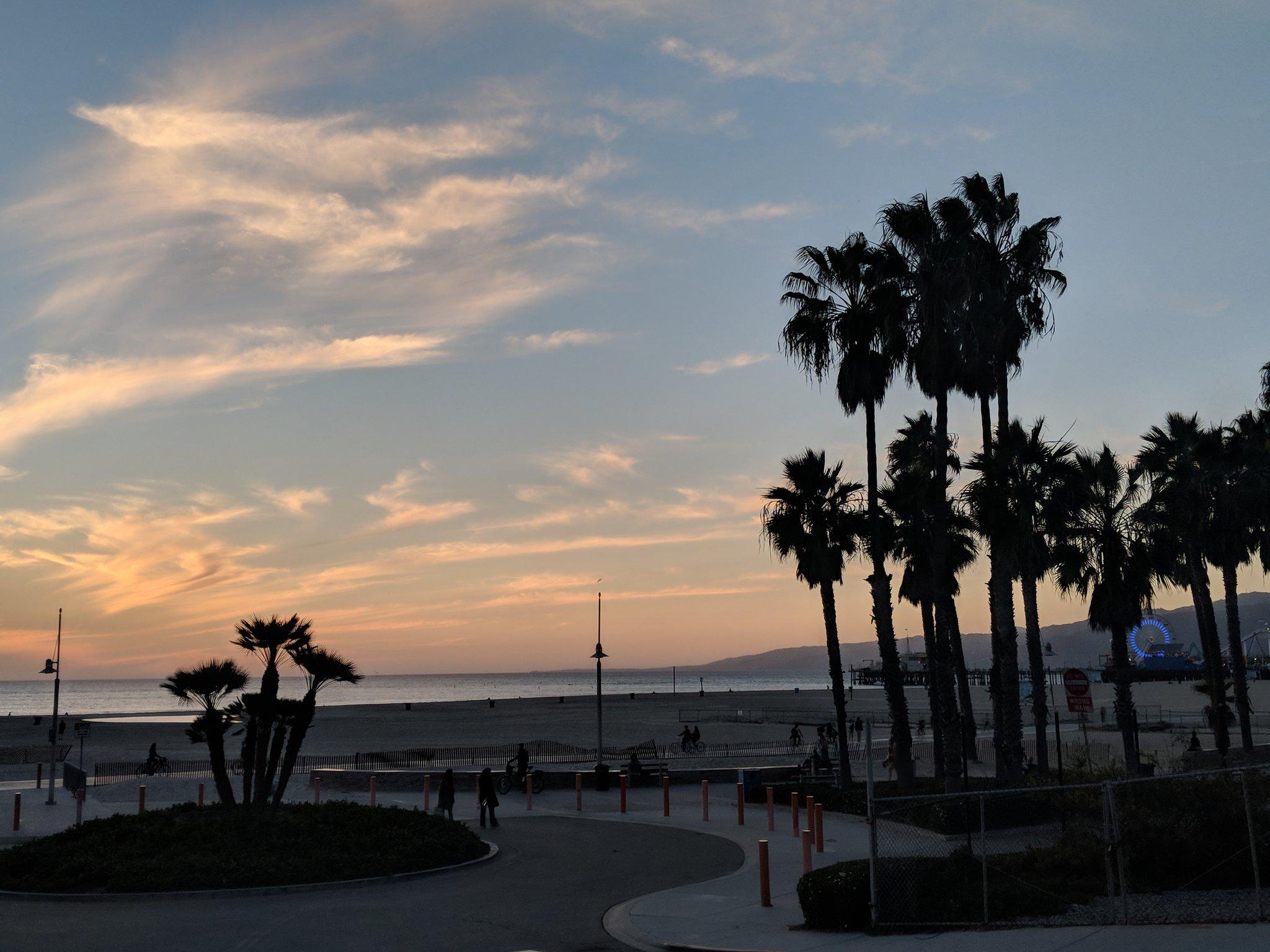 #sunset https://t.co/Kwdon0BaGD