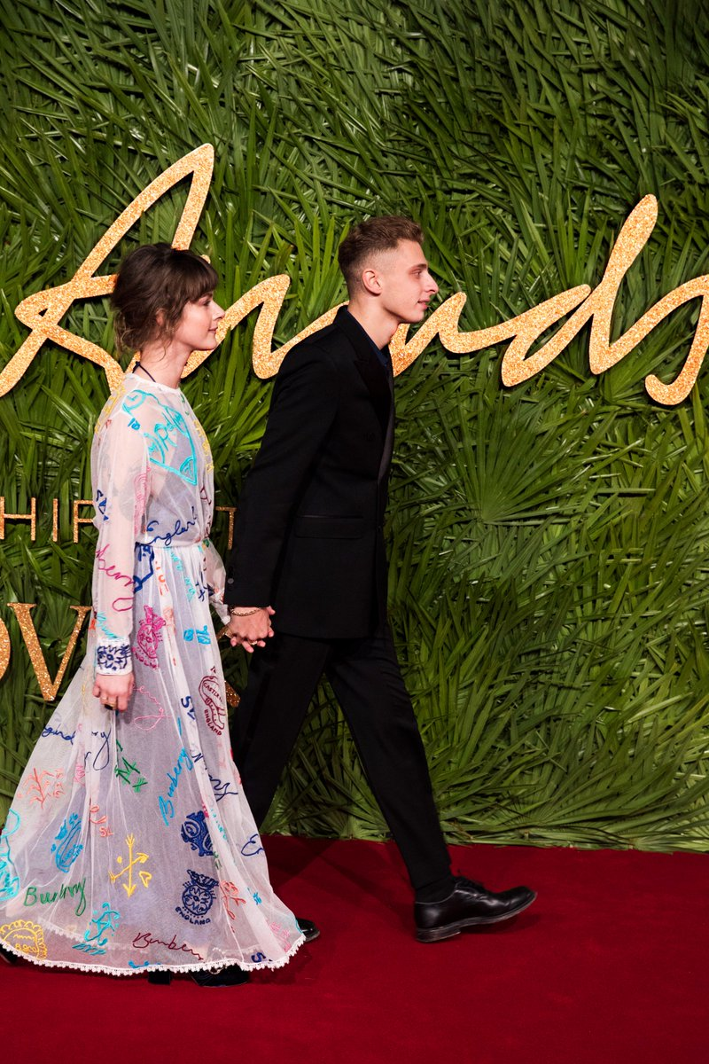 Wearing @Burberry, @BlondeyMcCoy and girlfriend Lotty Sanna arrive at the #FashionAwards 2017 in London https://t.co/FJhMGIQrHB