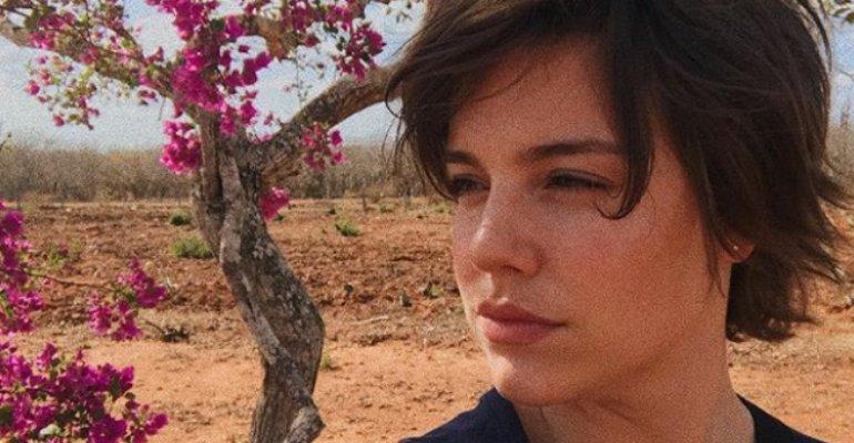 Alice Wegmann. Foto do site da Caras Brasil que mostra Alice Wegmann desabafa sobre distúrbios alimentares: Odiava meu corpo