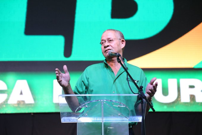 Happy Birthday to MH Bruce Golding. Have a prosperous day sir.
