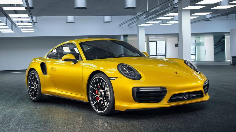 Pintura Saffron Yellow Metallic  #Porsche911Turbo. https://t.co/58zq6dbpFX