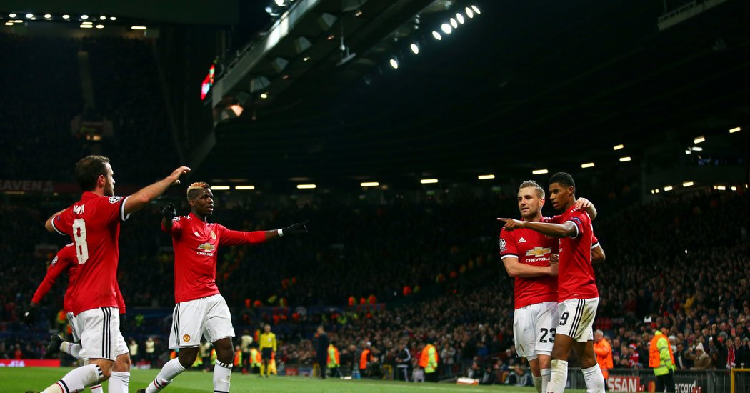 Champions League: Manchester United and Paris Saint-Germain Win Groups