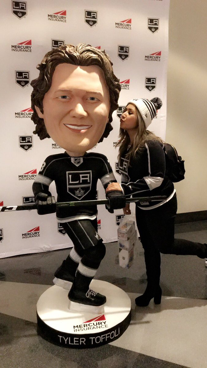RT @B3T5Y26: Dreaming of a Toffoli XMAS #deltakingsfancontest @Delta @LAKings https://t.co/25RipwVr9B