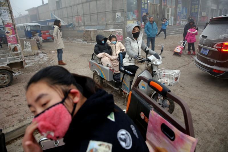China's smog-plagued Hebei draws up environmental tax plan