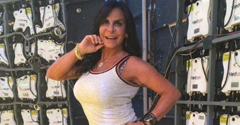 Gretchen. Foto do site da Contigo que mostra Gretchen revela que se casou apenas uma vez