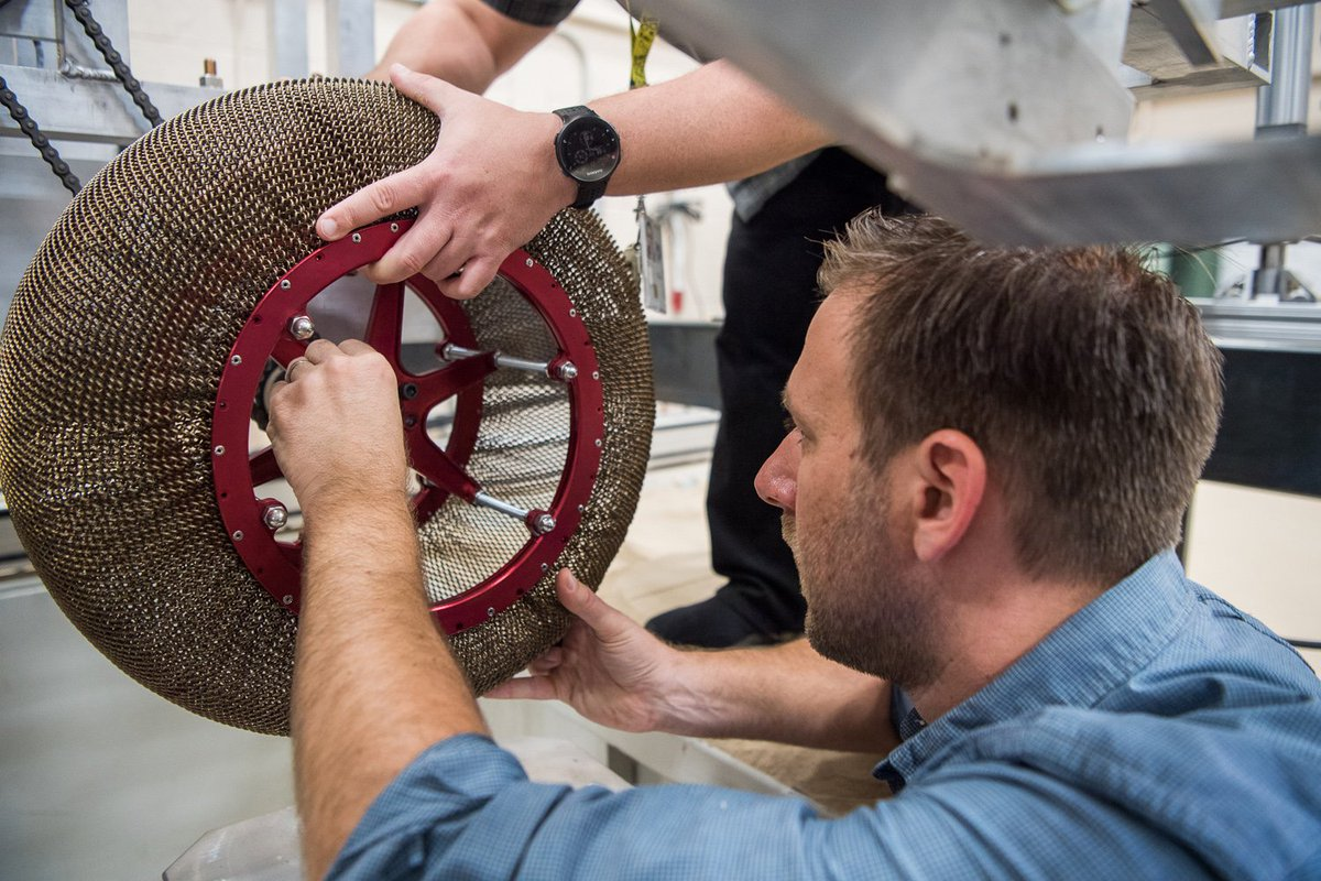 NASA engineers design ultra-flexible wheel to take on Mars' harsh terrain via @NBCNewsMACH