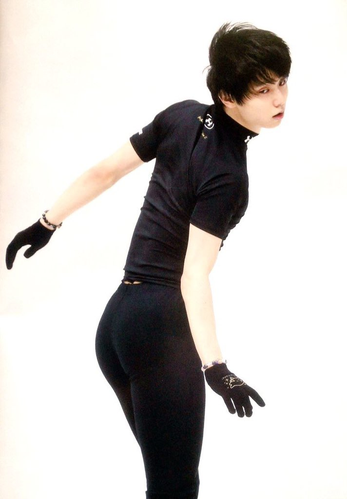 Happy Birthday YUZURU HANYU. I wish you all your hearts content be fulfilled.