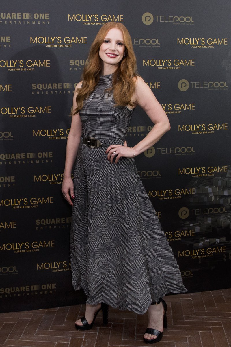 .@Jes_Chastain wearing Ralph Lauren Fall 2017 Collection at a #MollysGame photo call in Berlin. #RLFall2017 https://t.co/6EyKalGaMX
