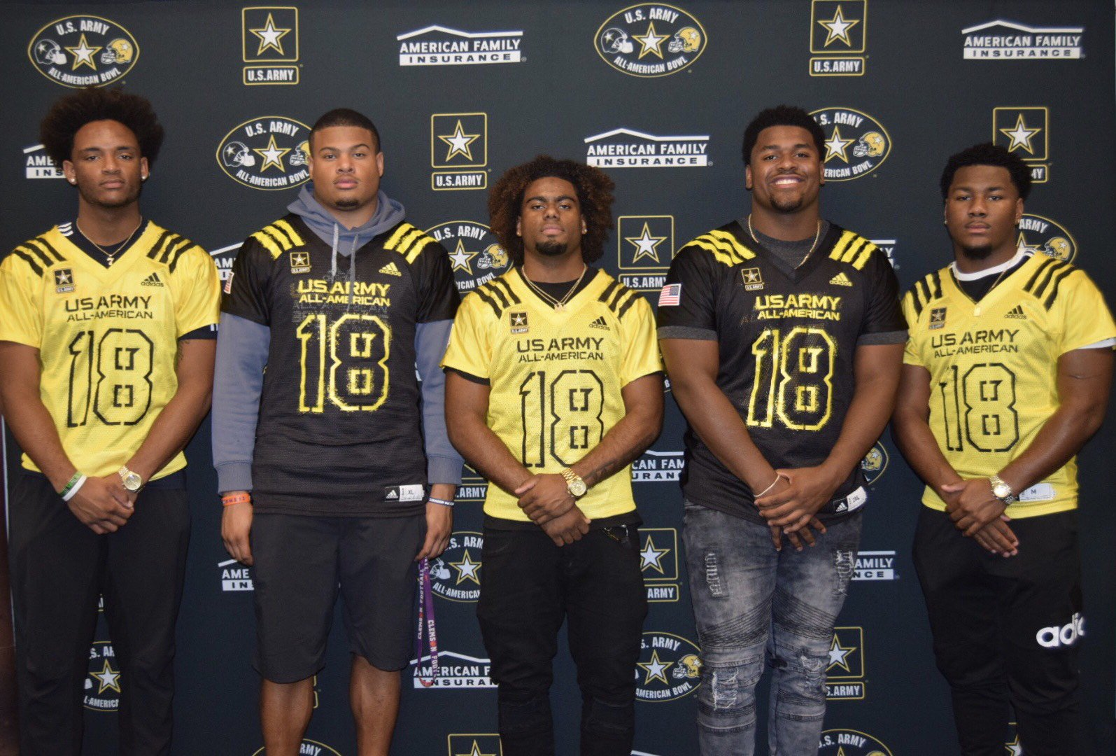 IMG Academy quintet gets one last game together at U.S. Army All-American Bowl https://t.co/ySmTkSI7V2 https://t.co/LkKxXqO1dA