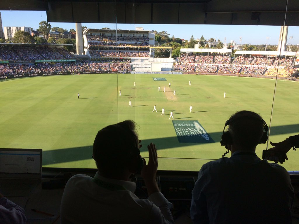 Scene in the @bbctms box as @dmalan29 reaches his maiden Test ��.  �� https://t.co/CJ3X0s0pzh  #ashes #bbccricket https://t.co/i8wdZFWEYB