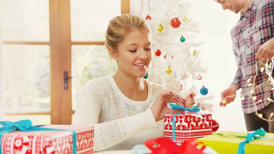 Christmas gift wrapping: tips and ideas for the perfect-looking present