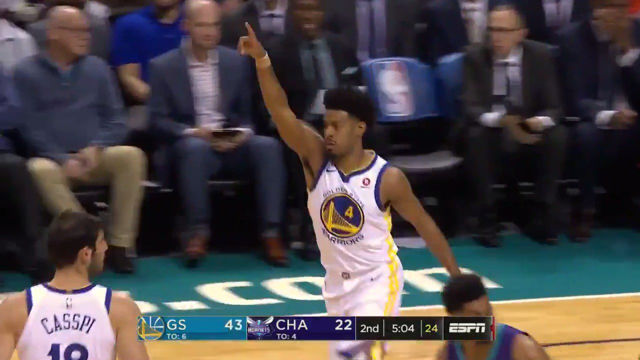 The 3 from the 2016 @nbagleague Rookie of the Year, Quinn Cook! #DubNation  ��: ESPN https://t.co/mlfhSptRK8