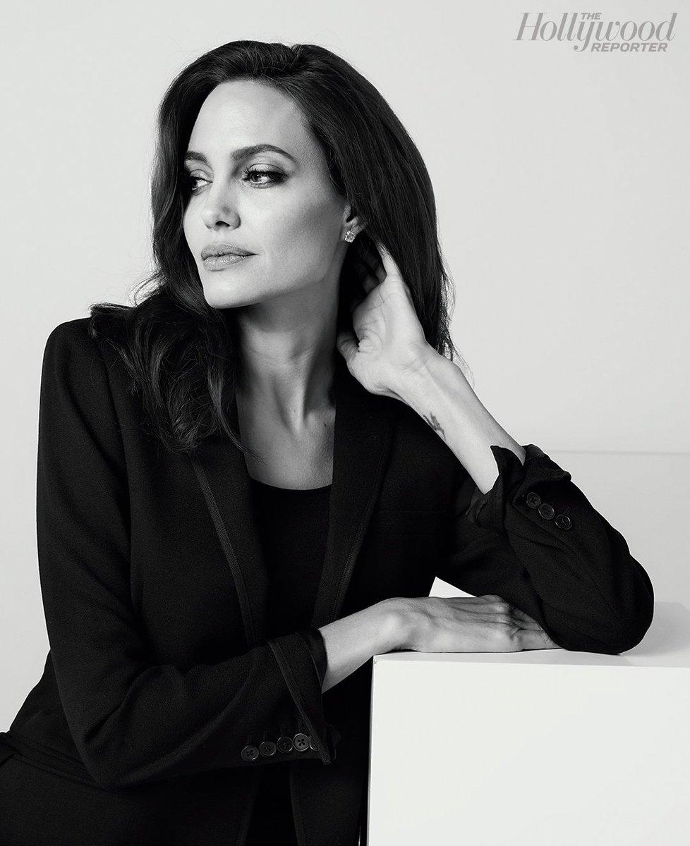 Awards chatter podcast: Angelina Jolie (@FTKMFNetflix)