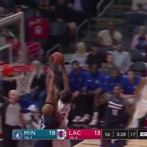 DeAndre Jordan is active around the rim! #ItTakesEverything  ��: ESPN https://t.co/d6qFZjB6tg