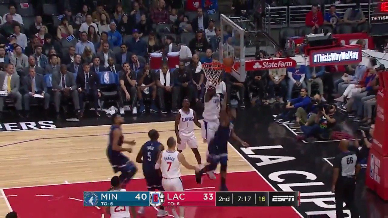 Butler finds Crawford.  *very next play happens*  Crawford finds Butler.  ��: ESPN https://t.co/uj7EdhpPN5