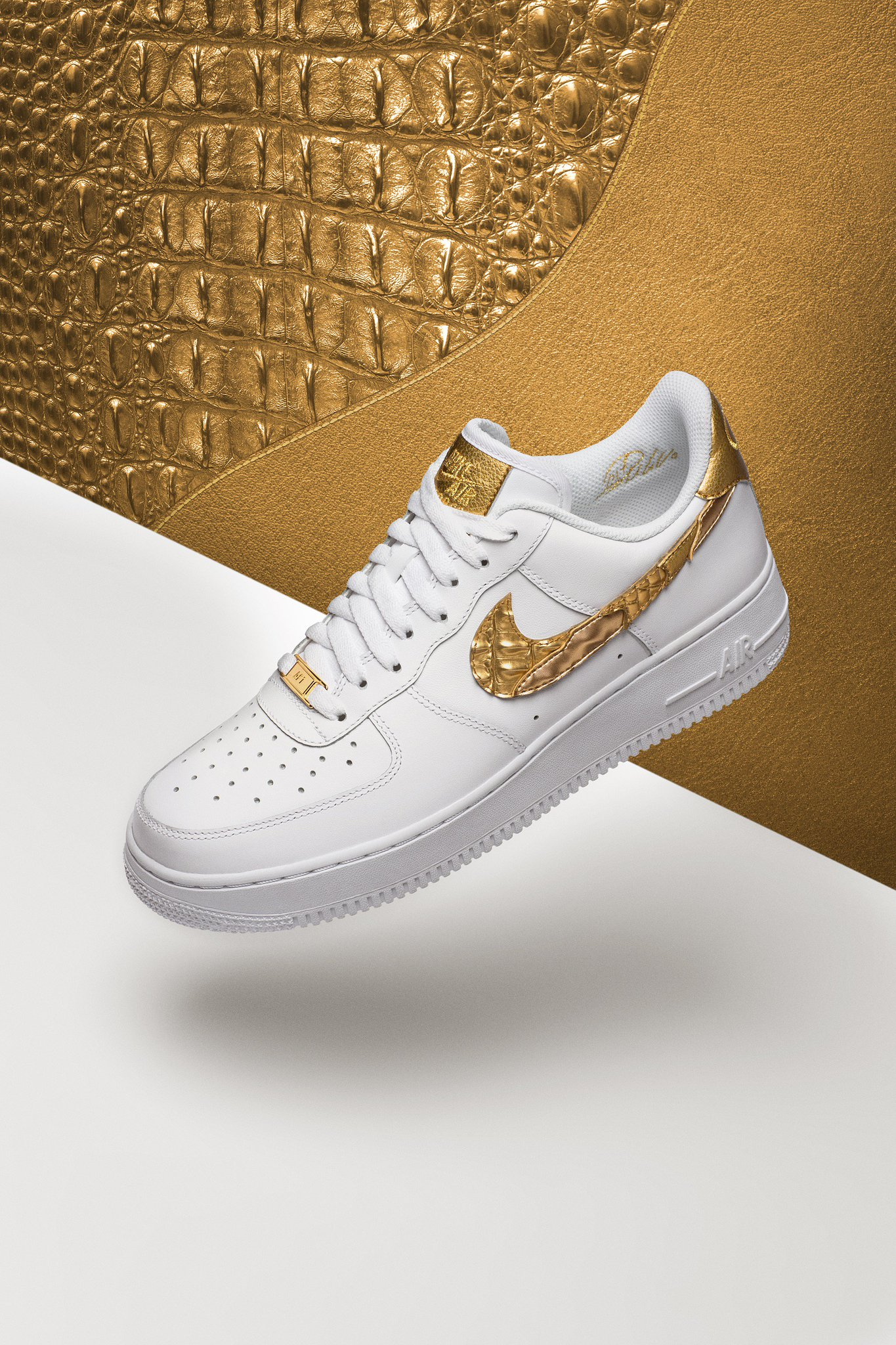 My AF1 CR7's launch today on the Nike SNEAKRS app! #AF1#CR7 Go to https://t.co/adIUxXBRvm https://t.co/4Enyjf4dw6