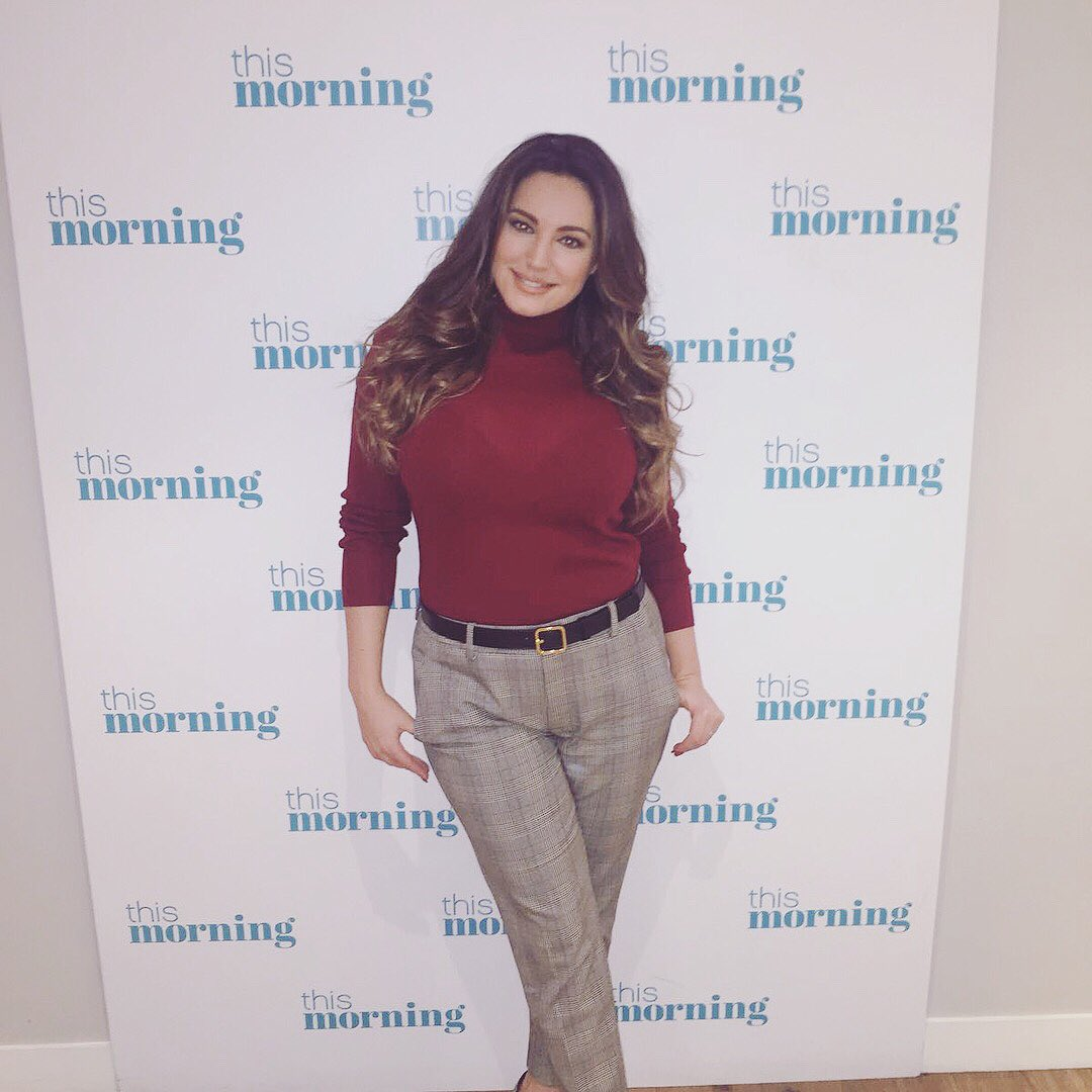 Lovely to be back on @thismorning with @hollywills Talking Shapewear Fashion ???????? https://t.co/ZFWN3aj1mq