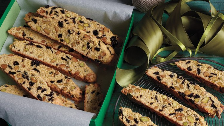 This coconut-pistachio biscotti is surprisingly healthy. #31DaysofCookies https://t.co/eOHXrpvX8q https://t.co/YI44VMJVo3