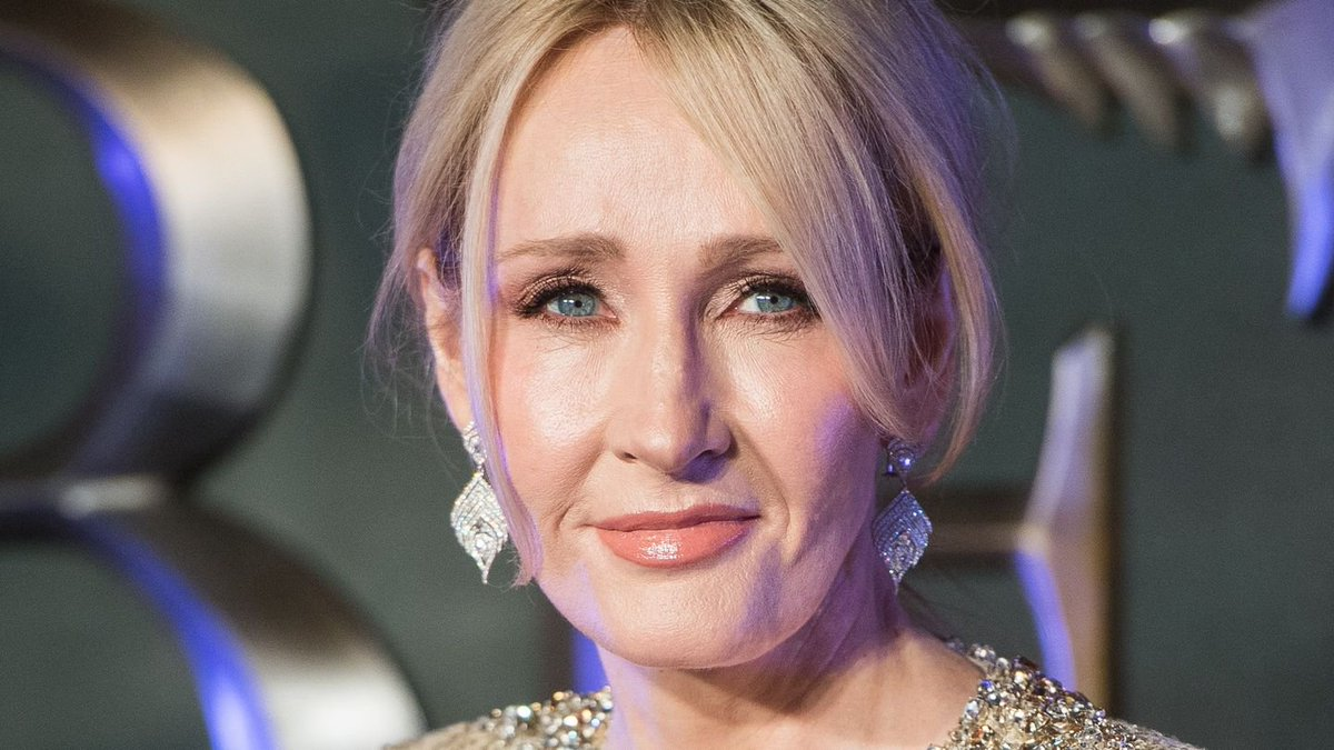 J.K. Rowling Is 'Genuinely Happy' Johnny Depp Is In Fantastic Beasts, Despite Controversy